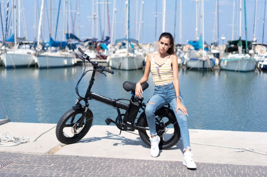 אופניים חשמליות או קורקינטים שיתופיים - טור אישי של הרוכב החשמלי