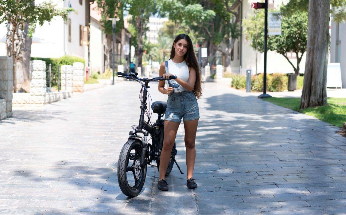 אופניים חשמליות עם גלגלים עבים
