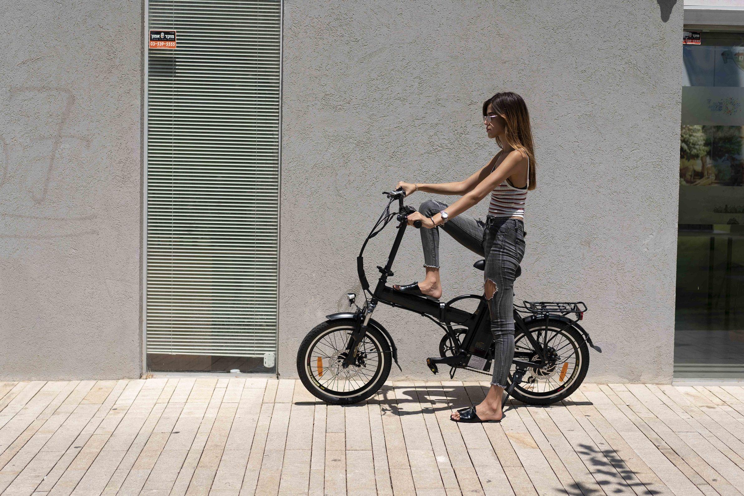 אופניים חשמליים במקום רכב - למה לעמוד בפקקים?