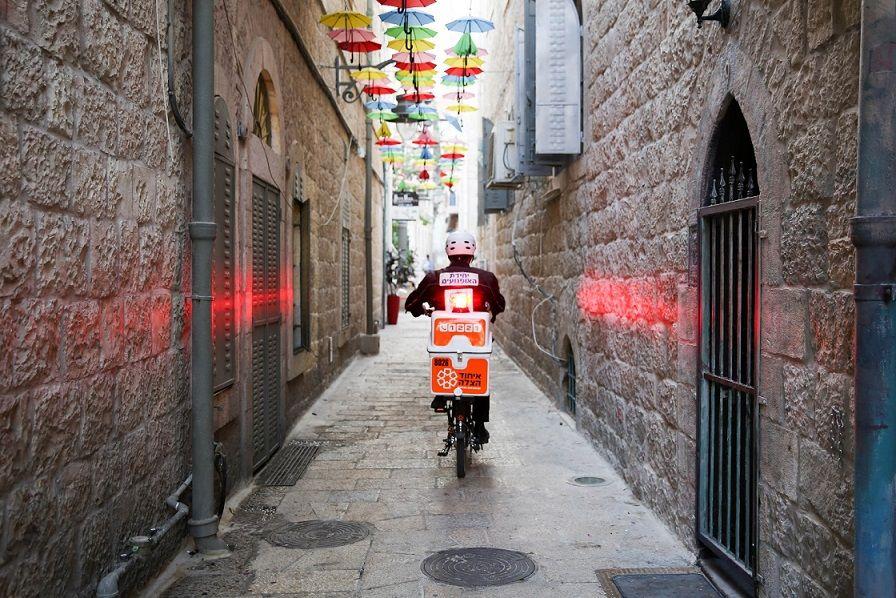 גם בזכות אופניים חשמליים: מתנדבי איחוד הצלה מנצחים את השעון