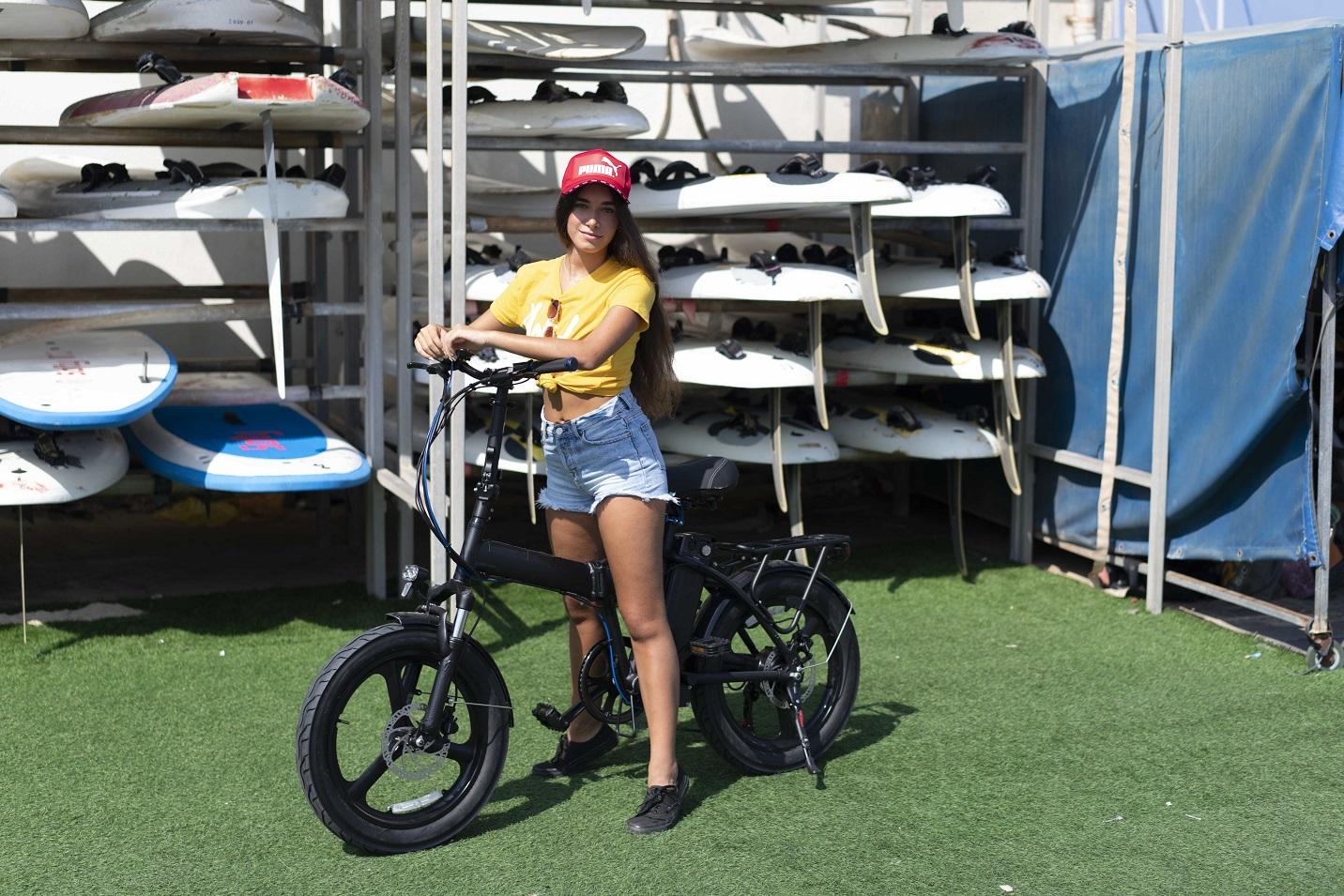 כמה שוקלים אופניים חשמליים?